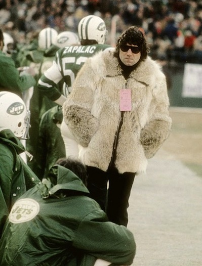 2-joe-namath-wearing-fur-coat-on-sidelines.jpg